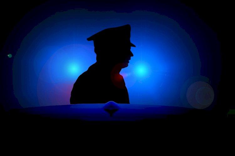 Polisi dan Seorang Pelapor