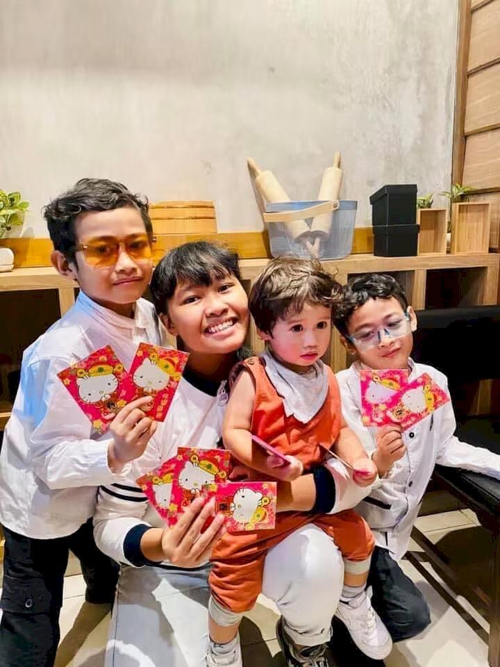 Geliat Tradisi Cina Di Pulau Bunga