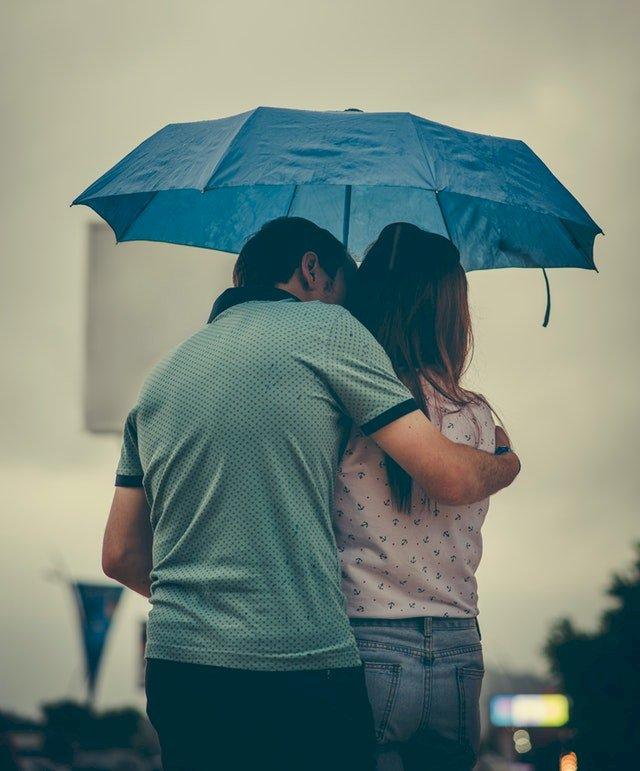 Melukis Hujan yang Berlari Kencang  | Mendamba Pingkan ~ 5